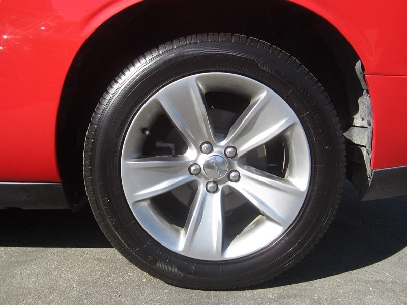 Dodge Challenger 2016 price $12,977
