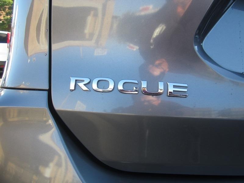 Nissan Rogue 2018 price $16,977