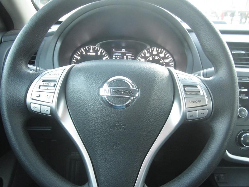 Nissan Altima 2016 price $7,977