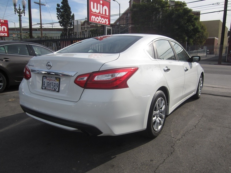 Nissan Altima 2016 price $7,977