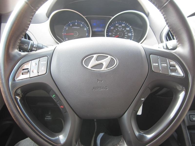 Hyundai Tucson 2015 price $9,977