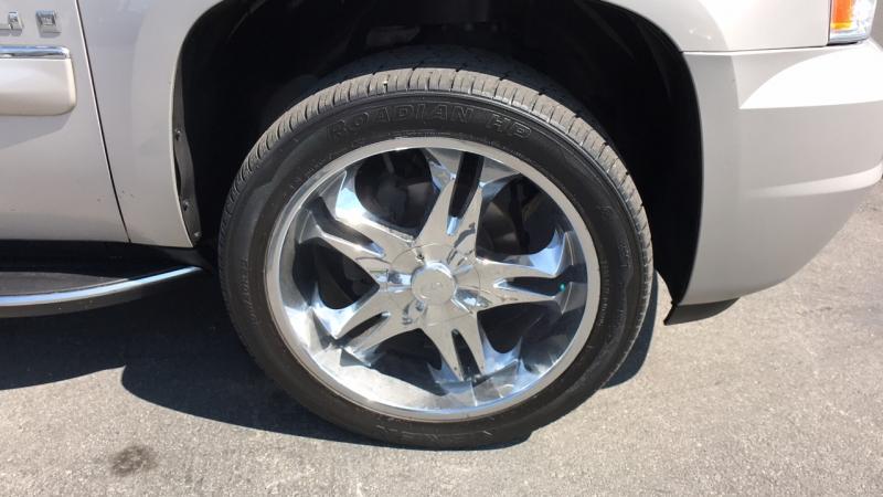 GMC Yukon XL 2007 price $16,950