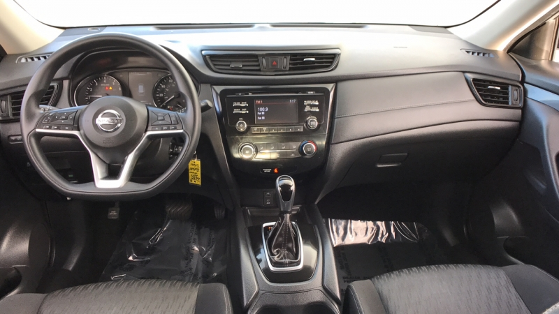 Nissan Rogue 2017 price $18,950