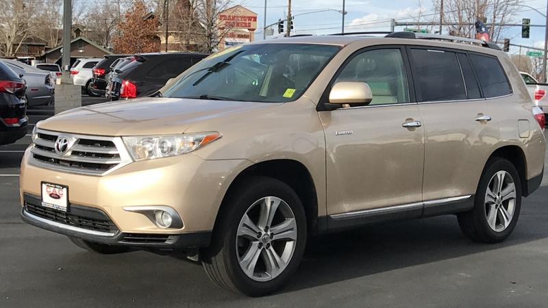 Toyota Highlander 2012 price $18,550