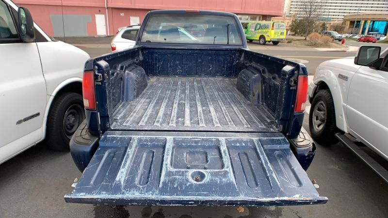 Chevrolet S-10 2001 price $3,990