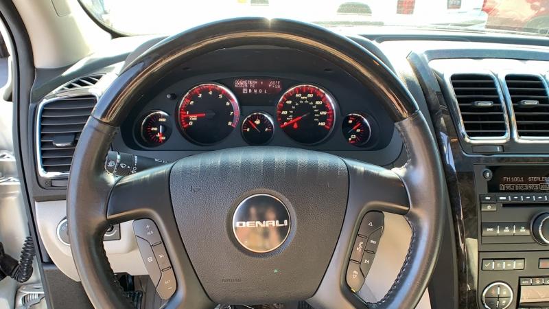 GMC Acadia 2011 price $22,975