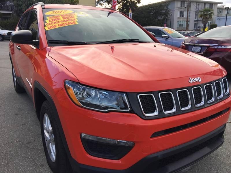 Jeep Compass 2017 price $17,999