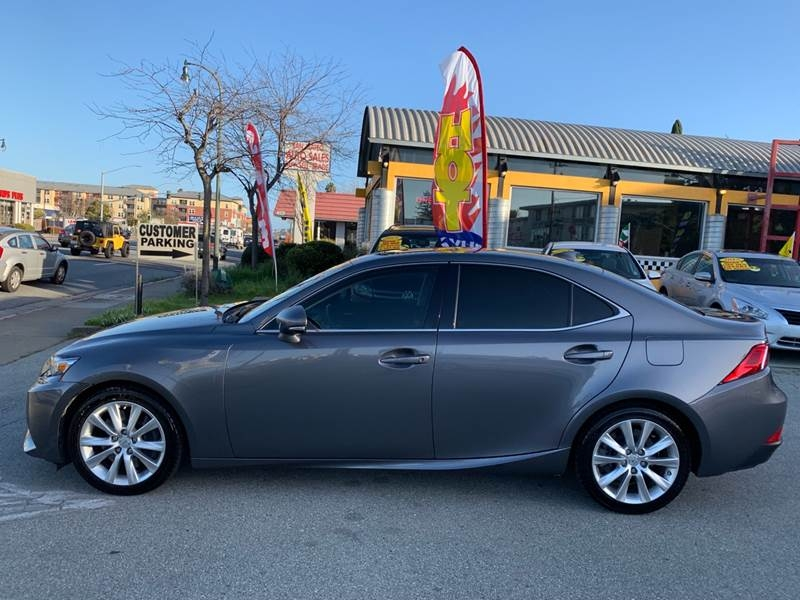 Lexus IS 200t 2016 price $21,990