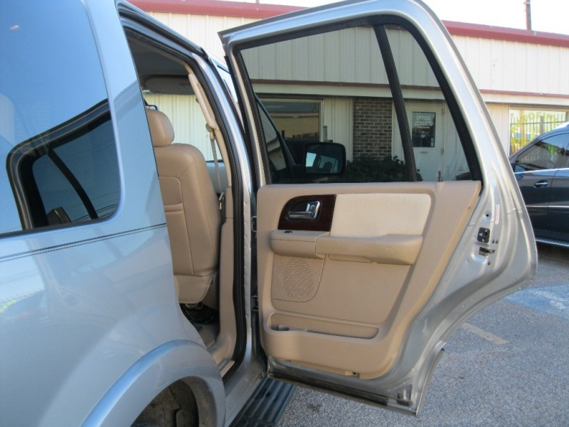Ford Expedition 2006 price $3,650 Cash