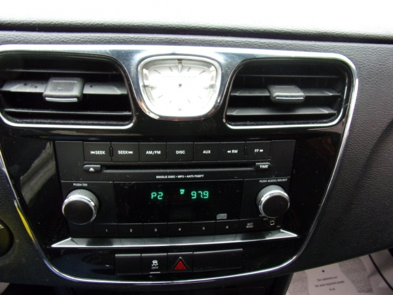 Chrysler 200 2013 price $5,400 Cash