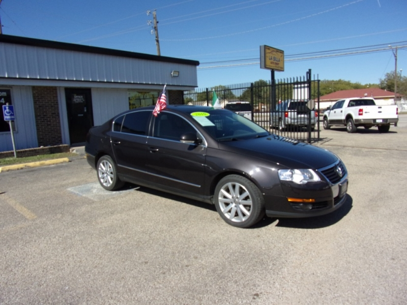 Volkswagen Passat Sedan 2010 price $5,500 Cash
