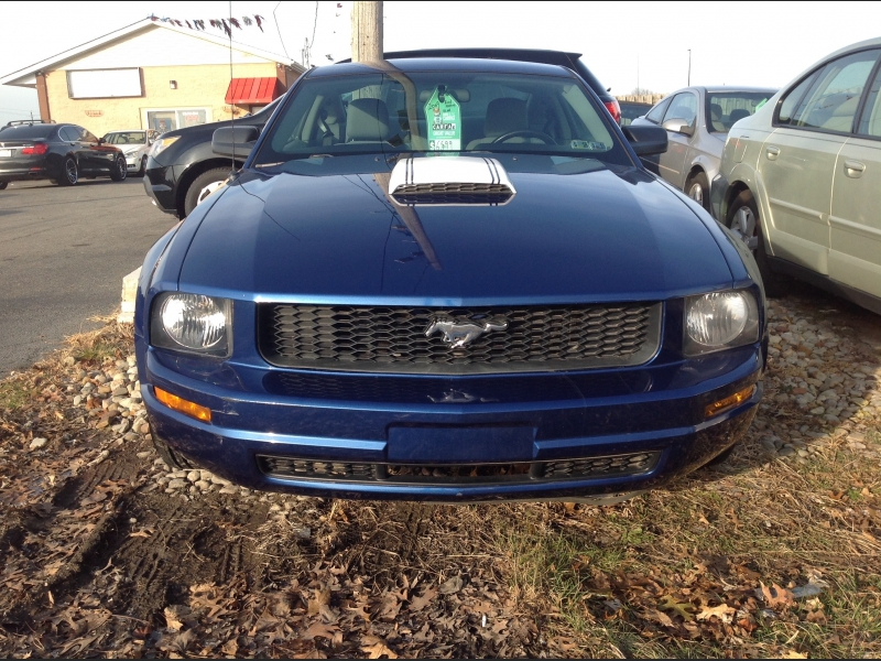 Ford Mustang 2009 price $6,900