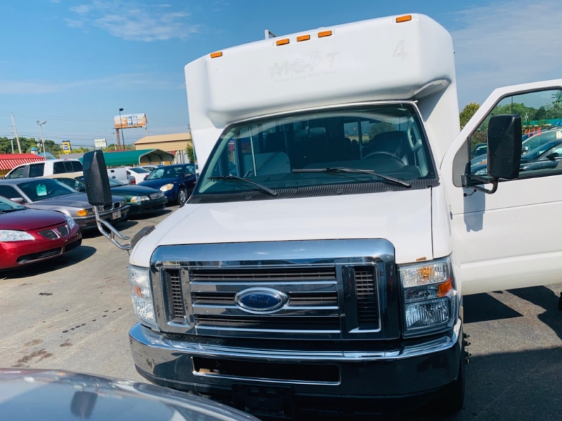 Ford Econoline Commercial Cutaway 2010 price $4,999