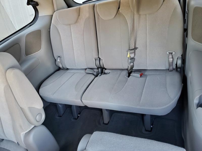 Kia Sedona 2009 price $4,299