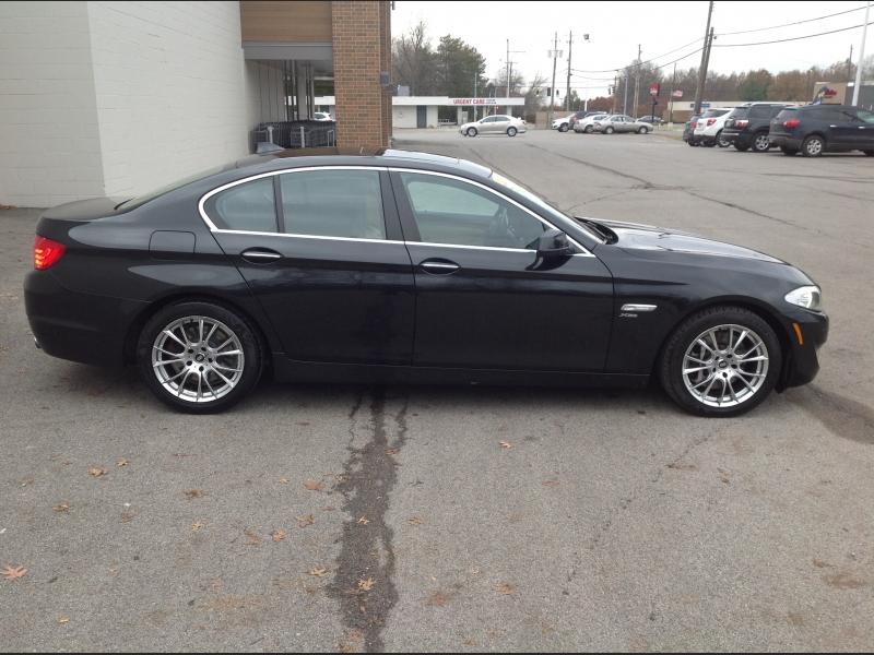 BMW 5-Series 2011 price $11,200