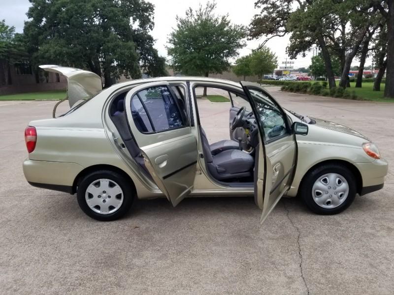 Toyota Echo 2002 price $2,500