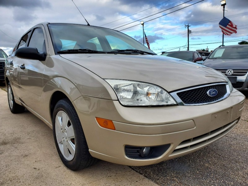 Ford Focus 2007 price $3,800
