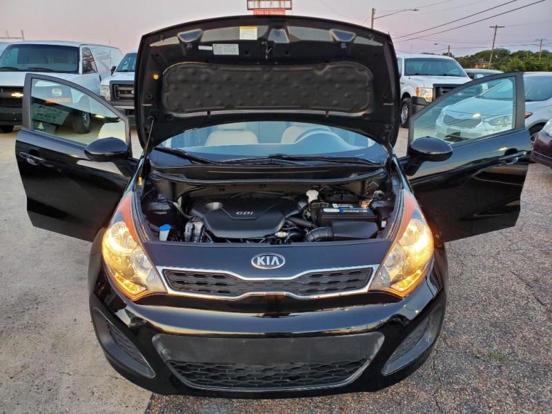 Kia Rio 2013 price $7,300