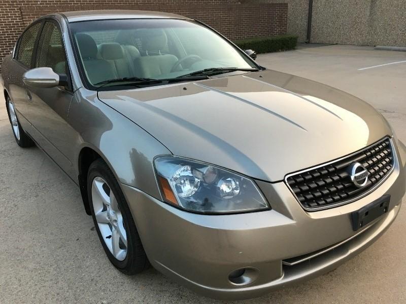 Nissan Altima 2005 price $4,200