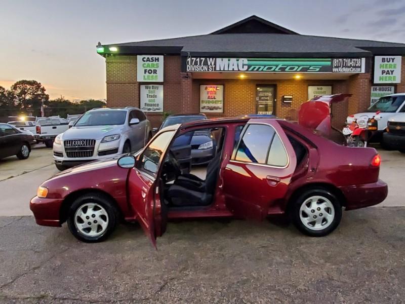 Nissan Sentra 1999 price $2,800