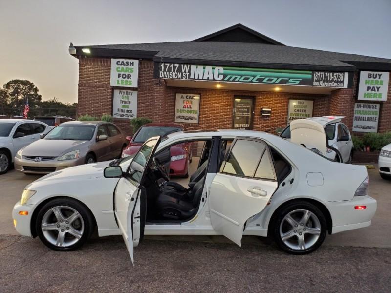 Lexus IS 300 2005 price $4,800