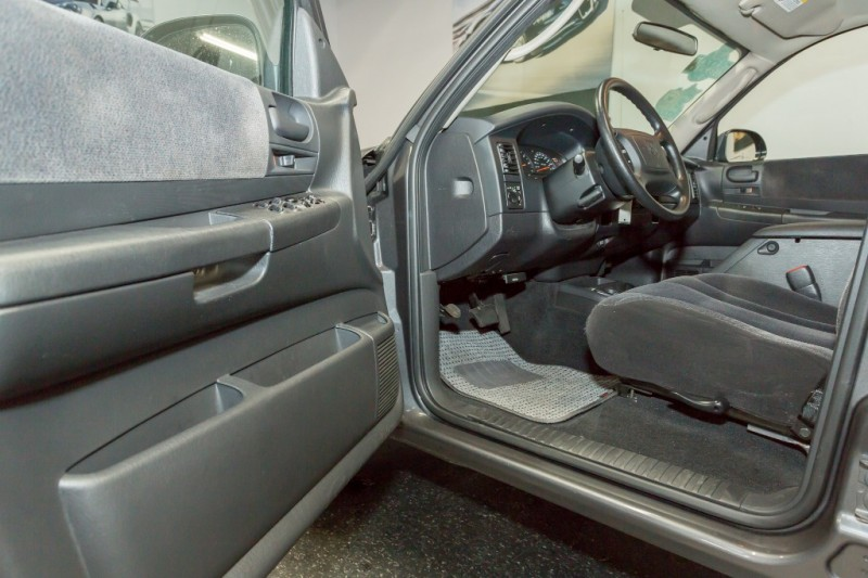 Dodge Dakota 2004 price $13,900