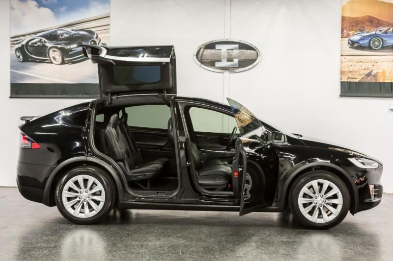 Tesla Model X * 75D* 2018 price $72,888