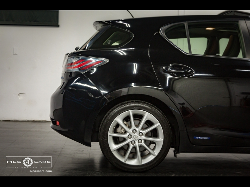 Lexus CT 200h 2013 price $13,999
