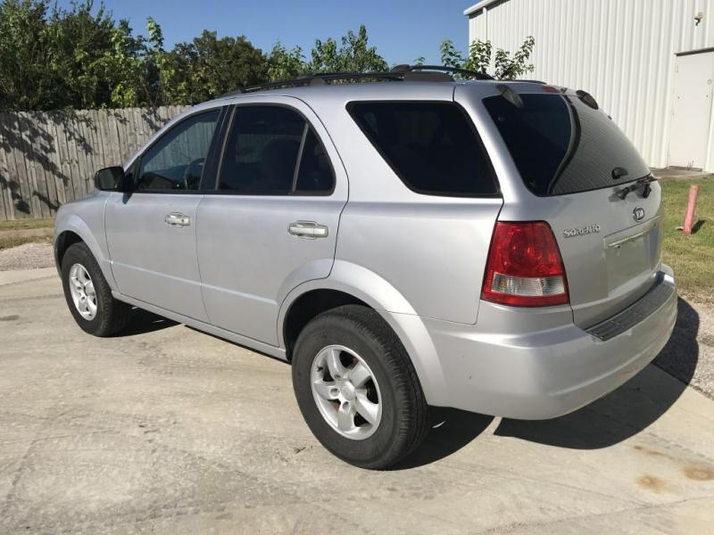 KIA SORENTO 2006 price $3,900