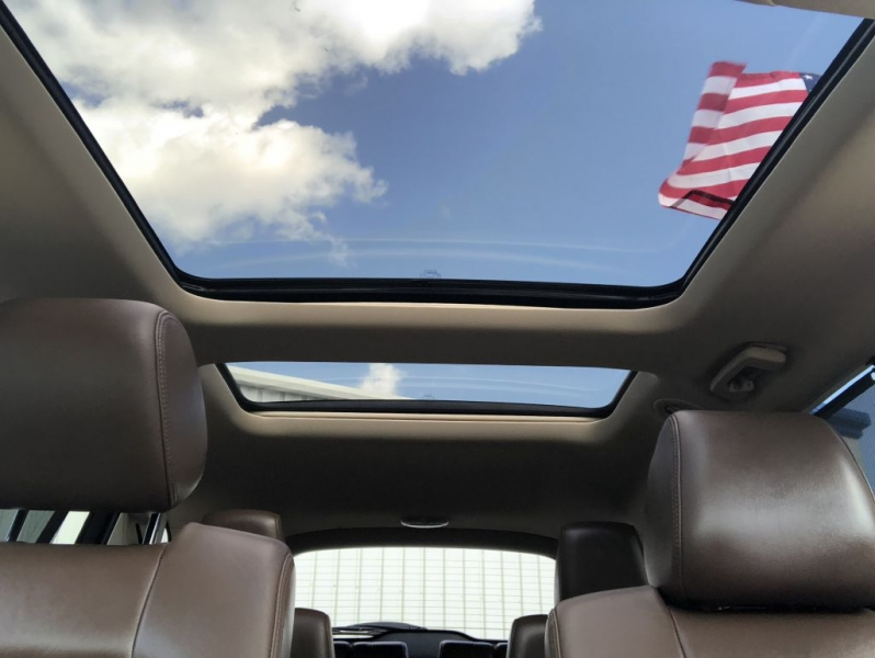 LINCOLN MKT 2013 price $14,595