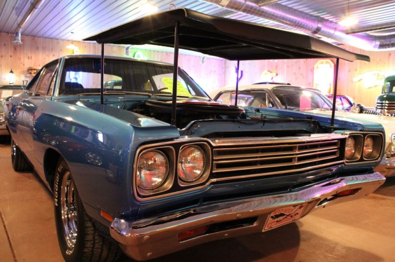 Plymouth ROAD RUNNER 1969 price 49,900