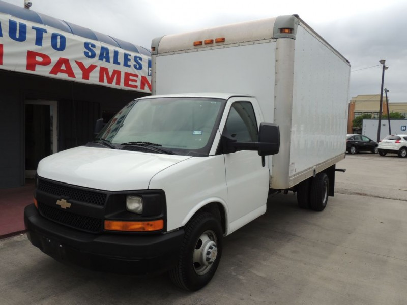CHEVROLET EXPRESS G3500 2012 price $11,995