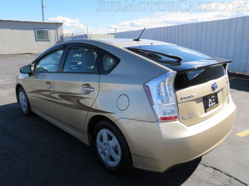 Toyota Prius 2011 price $7,950