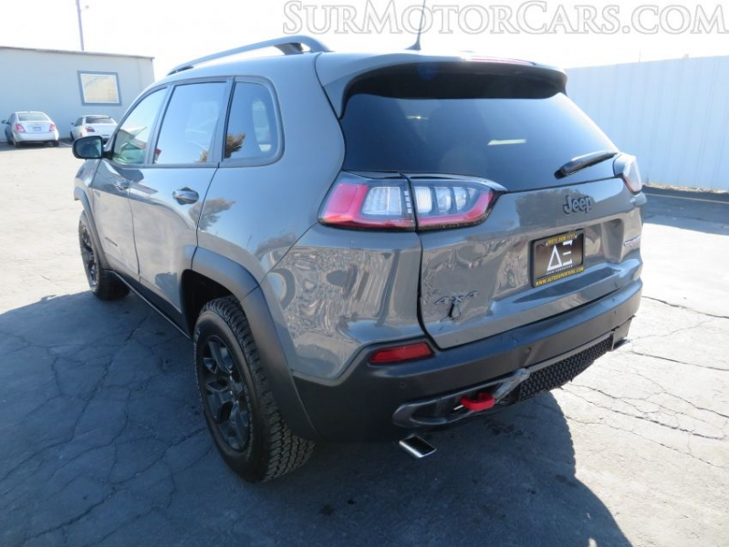 Jeep Cherokee 2019 price $10,950