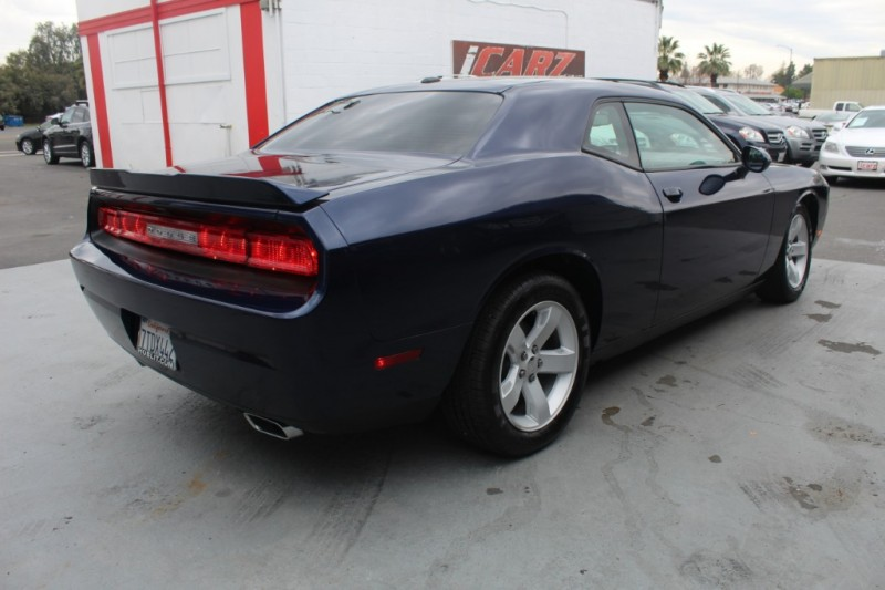 Dodge Challenger 2013 price $14,990