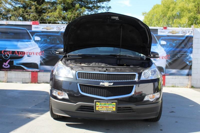 Chevrolet Traverse 2011 price $11,990