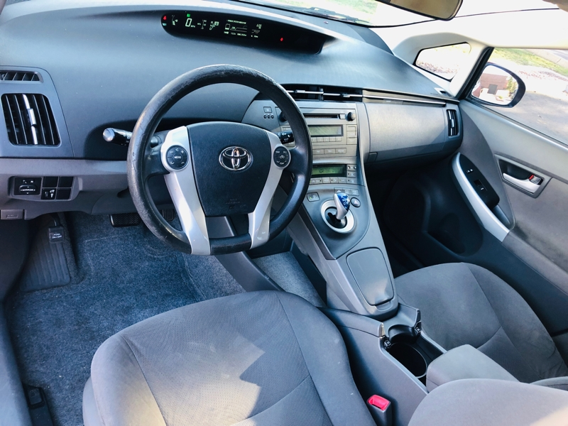 Toyota Prius 2011 price $6,995
