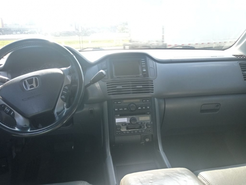 HONDA PILOT 2003 price Call for Pricing.