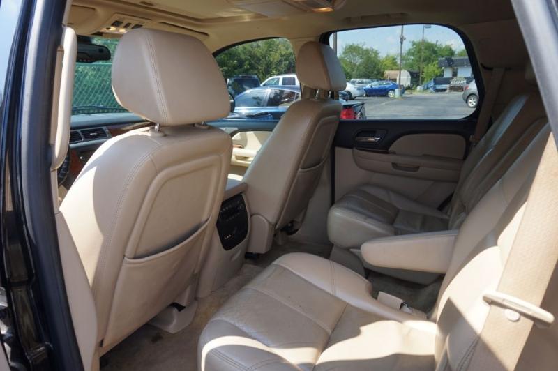 CHEVROLET SUBURBAN 2007 price $6,825