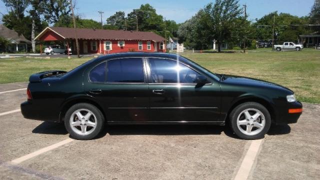 maxima 1998 tire size