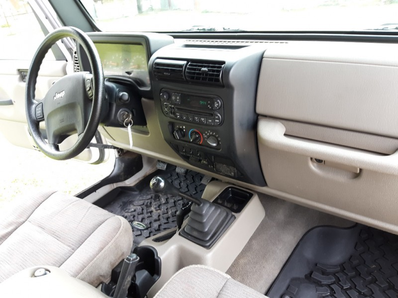 Jeep Wrangler 2004 price $7,895