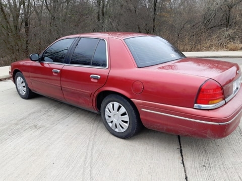 Ford Crown Victoria 1998 price $2,995