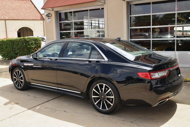Lincoln Continental 2018 price $38,980