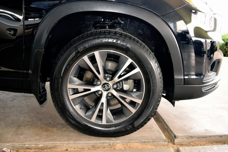Toyota Highlander 2016 price $26,490