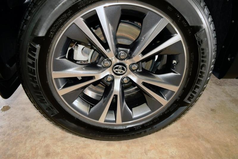 Toyota Highlander 2016 price $27,950