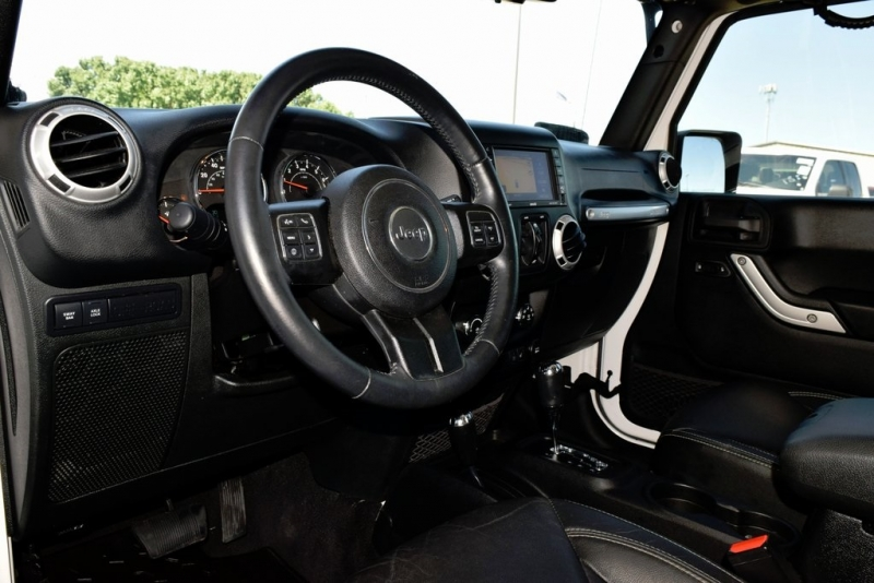 Jeep Wrangler Unlimited 2015 price $37,990