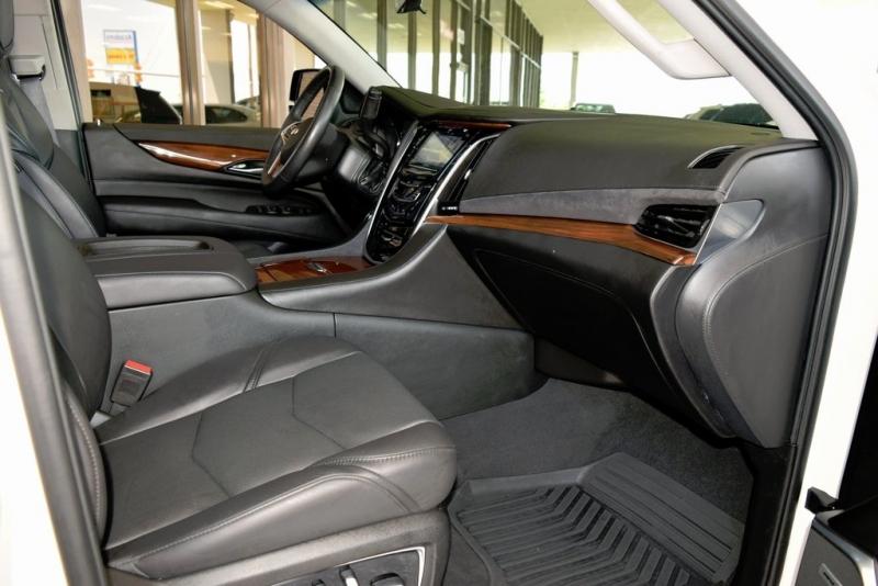 Cadillac Escalade 2019 price $62,990