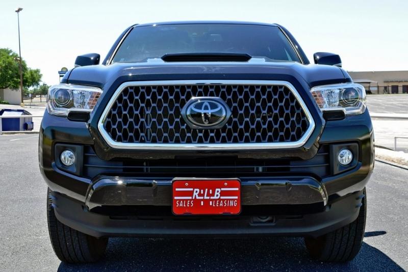 Toyota Tacoma 2018 price $36,290
