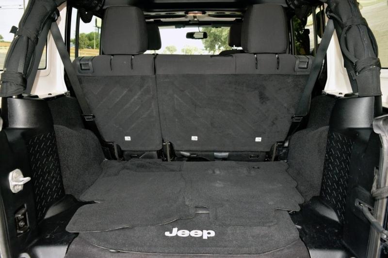 Jeep Wrangler Unlimited 2013 price $24,990