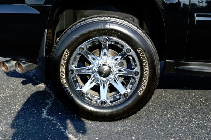 Chevrolet Suburban 2500 2011 price $22,990